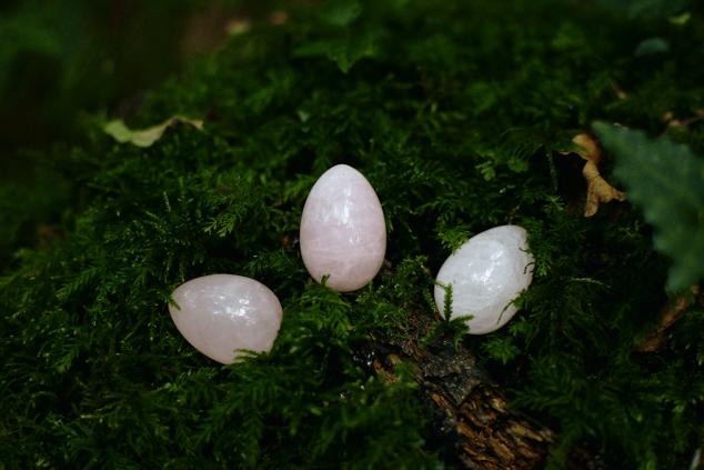 huevo yoni de cuarzo rosa